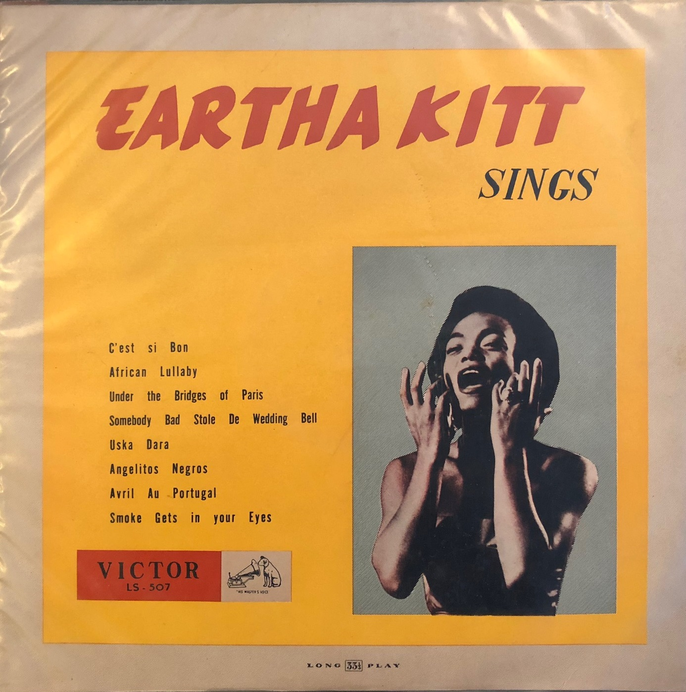 EARTHA KING / SINGS