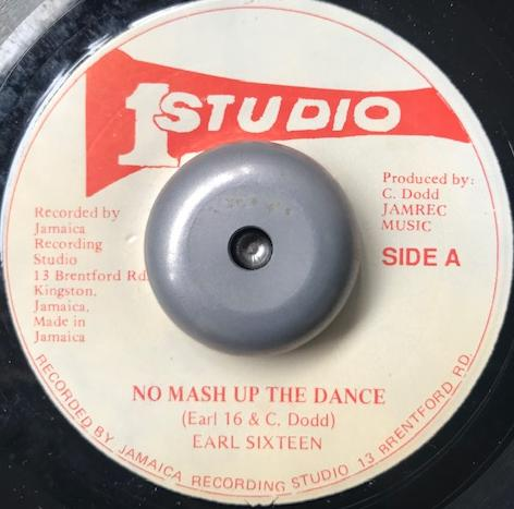 EARL SIXTEEN / NO MASH UP THE DANCE